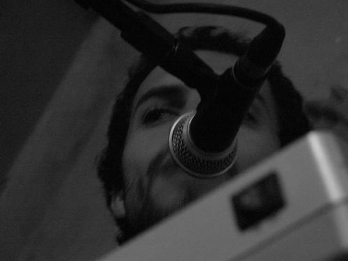 Fernando Lima (sintetizador) - novo integrante da banda. Foto: Giovani Castelucci